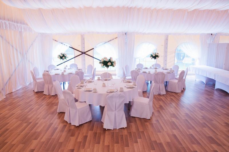 namiot na wesele podłoga