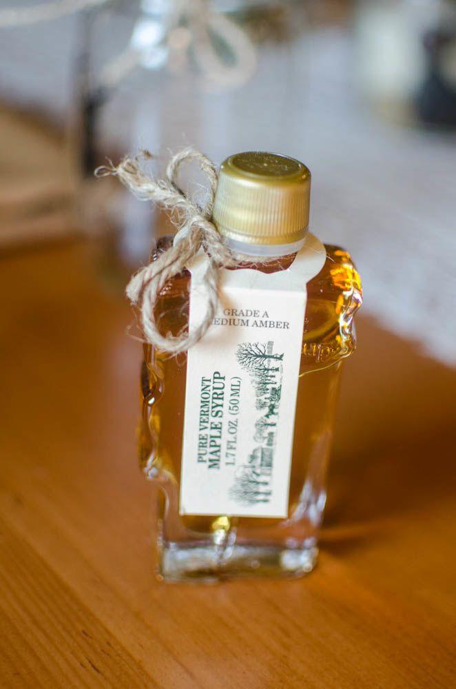 buteleczka syropu klonowego na weselu