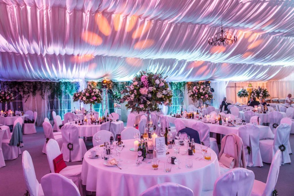 gotowa sala weselna w namiocie